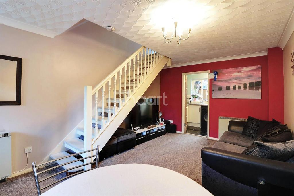 2 Bedrooms Semi Detached House for sale in Malthouse Court, Dereham