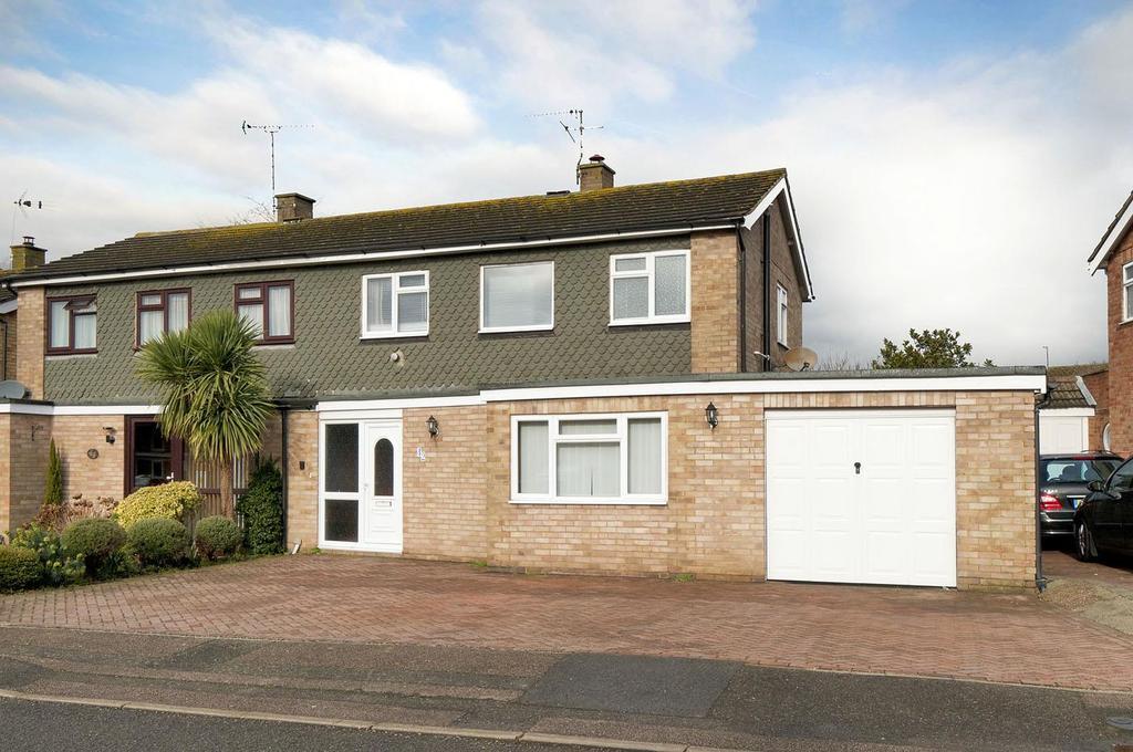 3 Bedrooms Semi Detached House for sale in Crown Acres, East Peckham, Tonbridge
