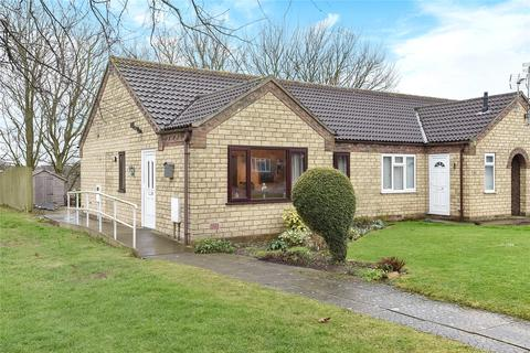 2 bedroom bungalow for sale - Talbot Close, Navenby, LN5