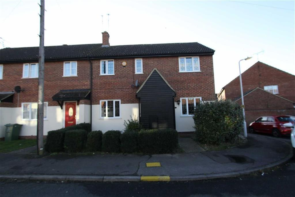 3 Bedrooms Semi Detached House for rent in Carlyle Gardens, Billericay