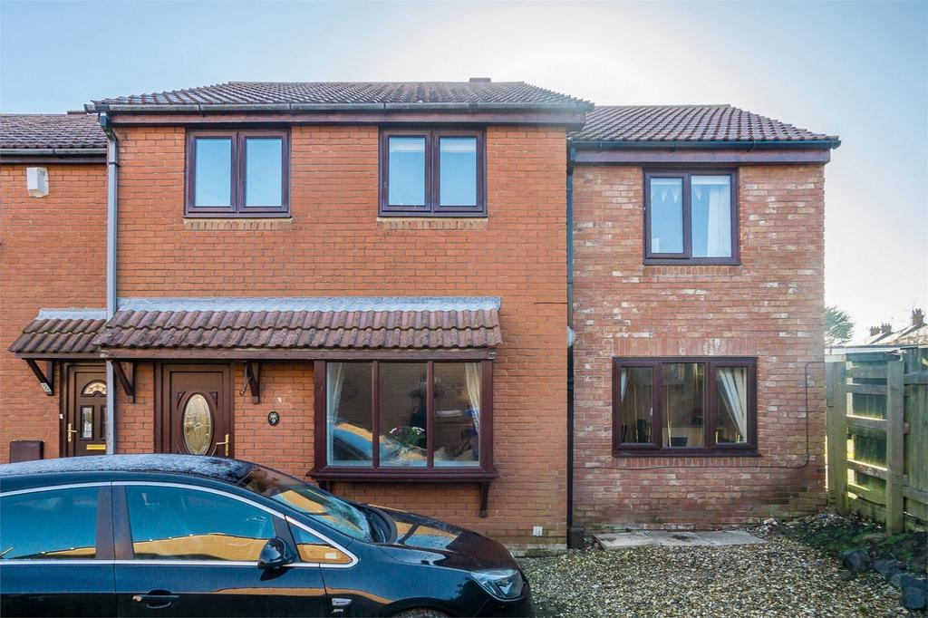 5 Bedrooms End Of Terrace House for sale in James Close, WITHERNSEA, East Riding of Yorkshire