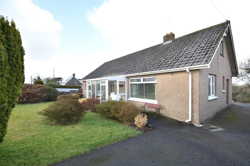 4 Bedrooms Detached Bungalow for sale in St. Francis Road, St. Columb Road