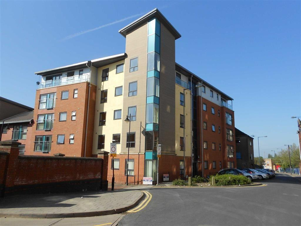 2 Bedrooms Flat for sale in Station View, Walsall