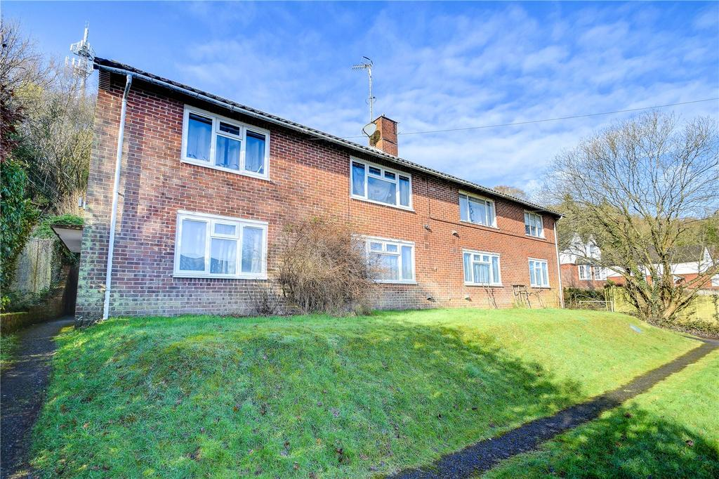1 Bedroom Flat for sale in Chilcroft Road, Haslemere, Surrey