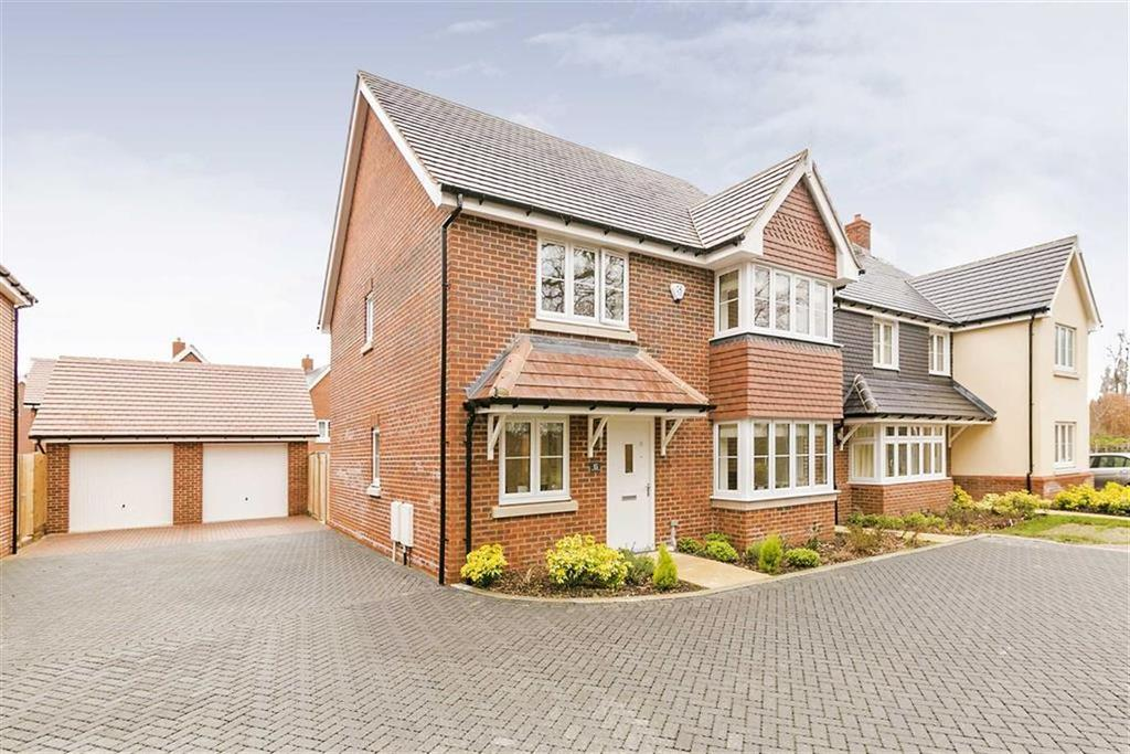 4 Bedrooms Detached House for sale in Rona Maclean Close, Epsom, Surrey