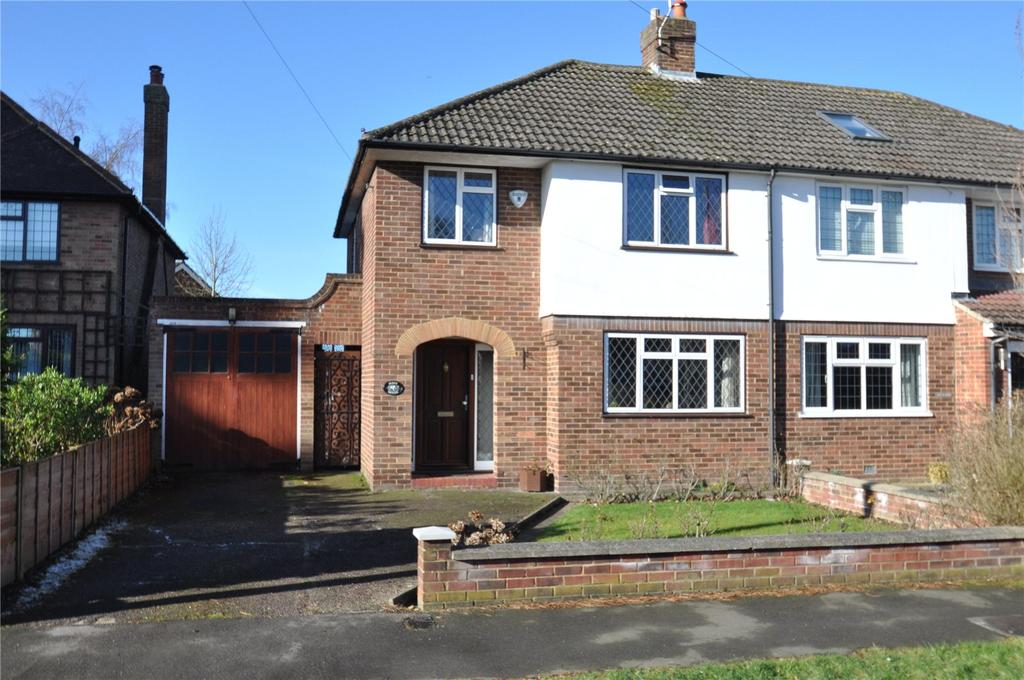 3 Bedrooms Semi Detached House for sale in Cuckmans Drive, Chiswell Green, St Albans, Hertfordshire