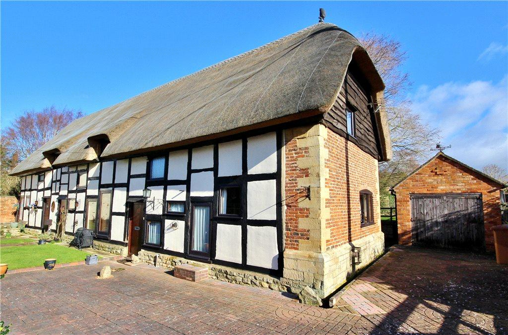 3 Bedrooms Barn Conversion Character Property for sale in The Thatched Barn, Jarvis Street, Eckington, Pershore, WR10