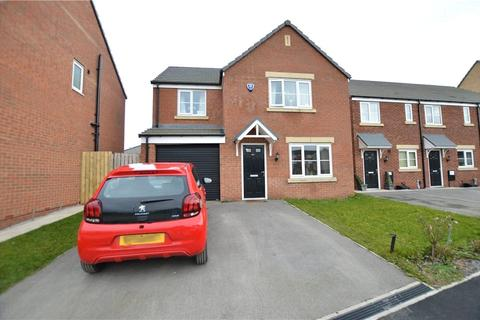 4 bedroom detached house for sale - Alder Road, Whinmoor, Leeds, West Yorkshire
