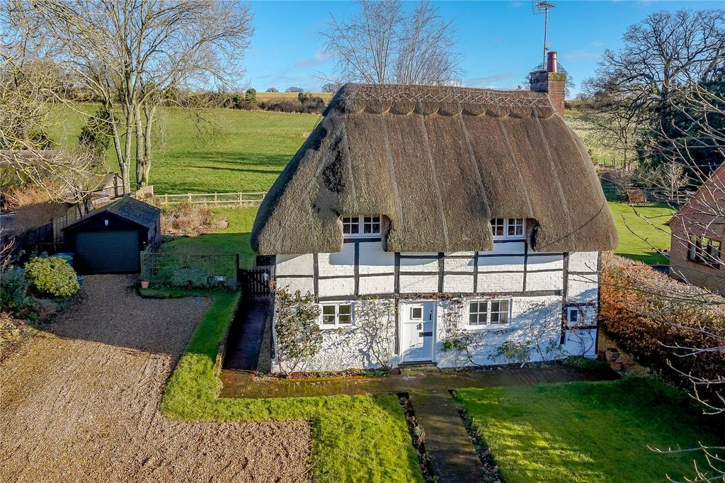 3 Bedrooms Detached House for sale in Gangbridge Lane, St. Mary Bourne, Andover, Hampshire