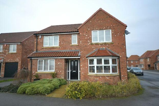 4 Bedrooms Detached House for sale in Fenwick Road, Scartho Top, Grimsby