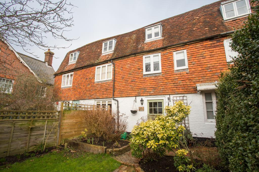 3 Bedrooms Semi Detached House for sale in High Street, Burwash, East Sussex, TN19 7EN