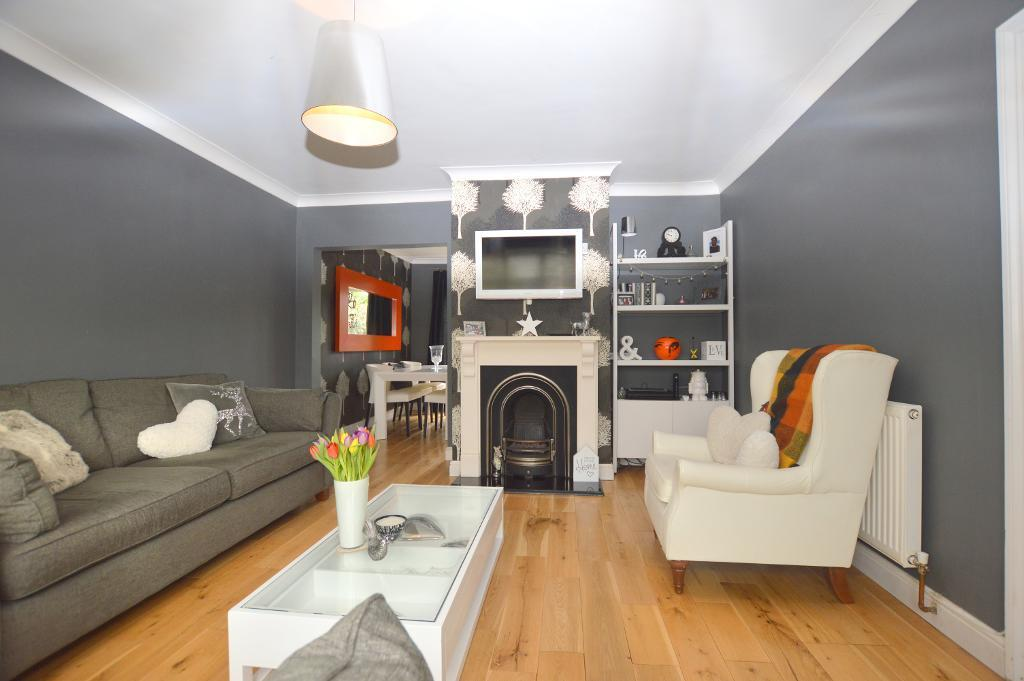 3 Bedrooms Semi Detached House for sale in Abercorn Road, Luton, Bedfordshire, LU4 0RN