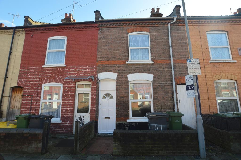 2 Bedrooms Terraced House for sale in Oak Road, Luton, LU4 8AA