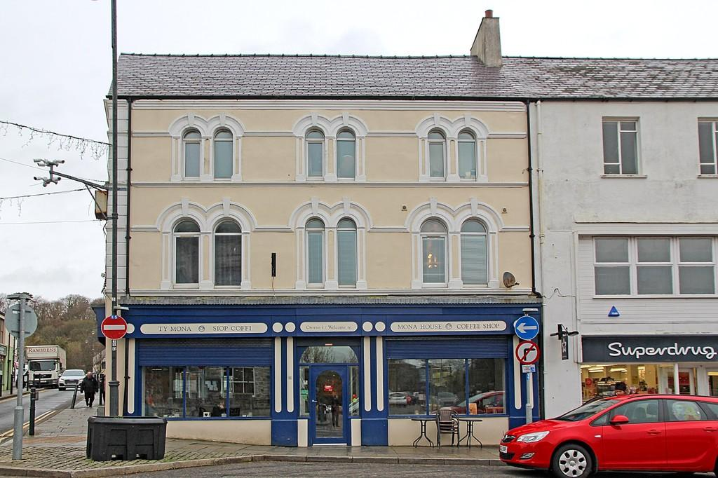 1 Bedroom Apartment Flat for sale in Church Street, Llangefni, North Wales