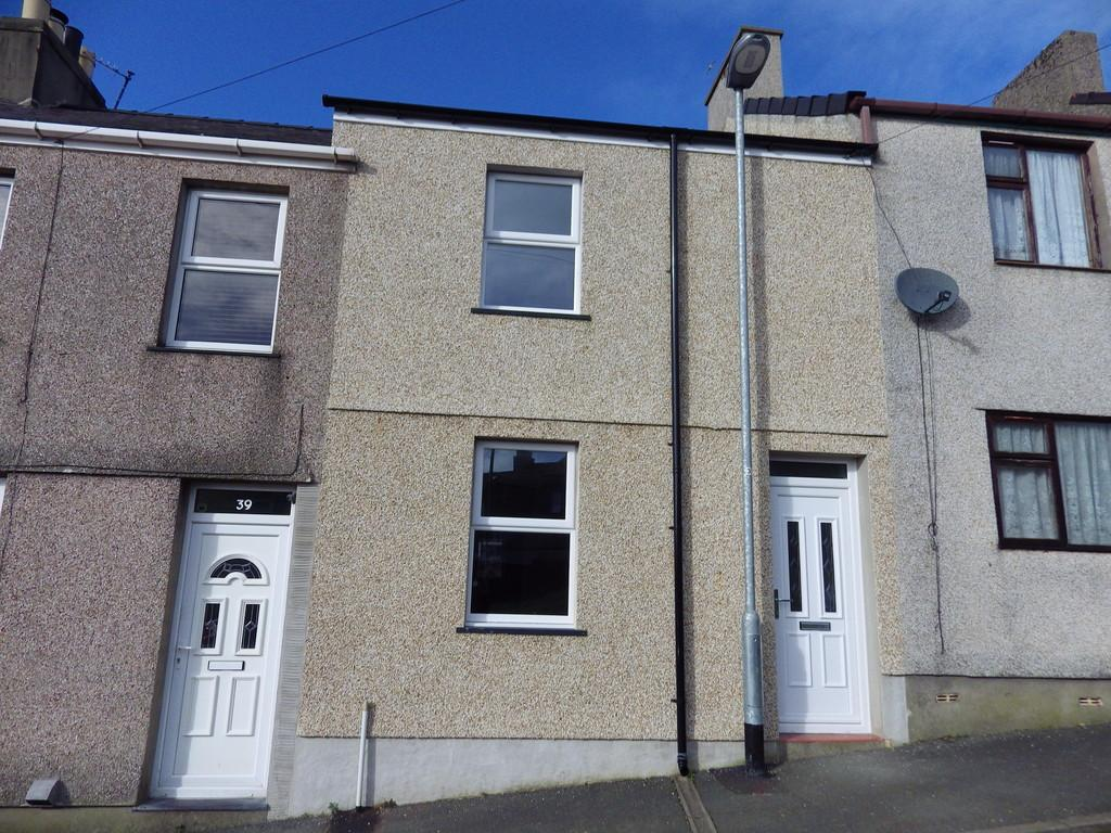2 Bedrooms Terraced House for rent in Hendre Street, Caernarfon, North Wales
