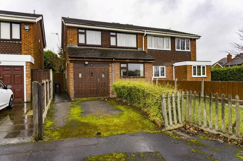 3 Bedrooms Semi Detached House for sale in Wilsford Close, Shelfield, Walsall.