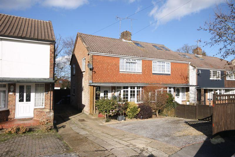 3 Bedrooms Semi Detached House for sale in Noel Green, Burgess Hill, West Sussex