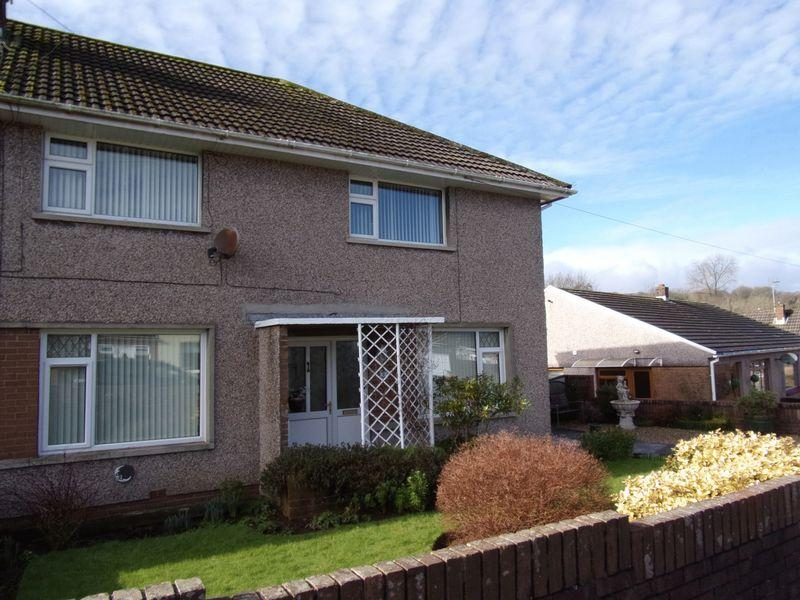 2 Bedrooms Apartment Flat for sale in Heol Adare Bridgend CF32 9EP