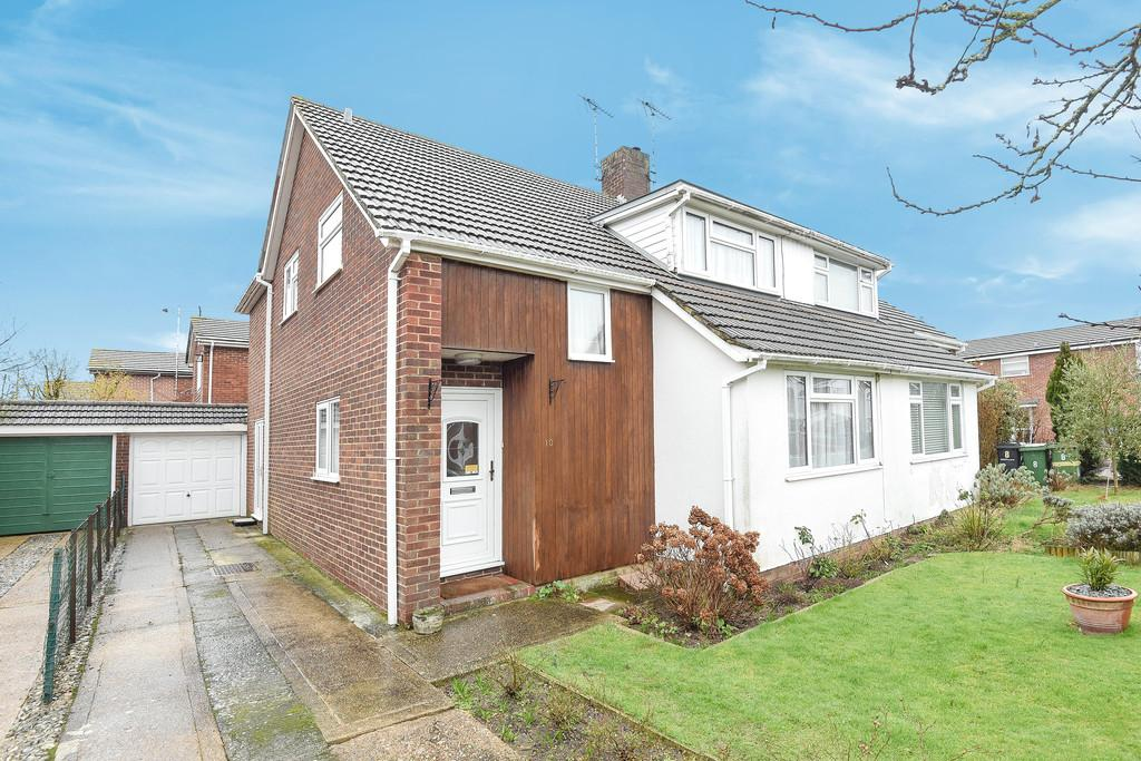 4 Bedrooms Semi Detached House for sale in Chaplin Drive, Headcorn
