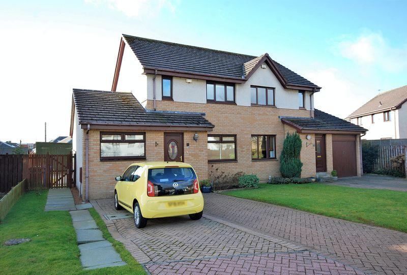 4 Bedrooms Semi-detached Villa House for sale in 4 Moor Park Place, Prestwick, KA9 2NH