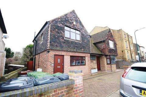 1 bedroom maisonette to rent - Knockhall Road, Greenhithe