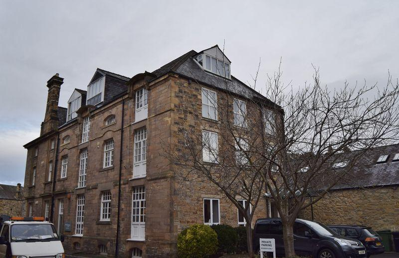 2 Bedrooms Flat for sale in St Marys Wynd, Hexham