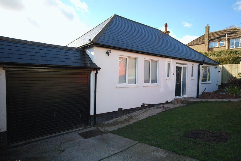 3 Bedrooms Detached Bungalow for sale in Temple Ewell, Dover