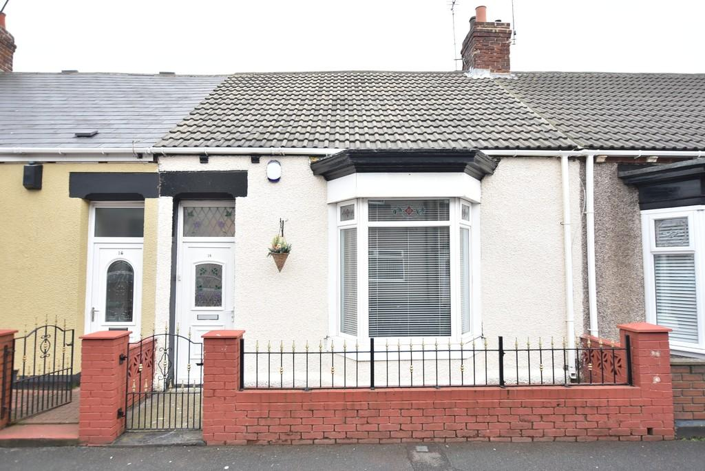 2 Bedrooms Terraced Bungalow for sale in Bright Street, Roker