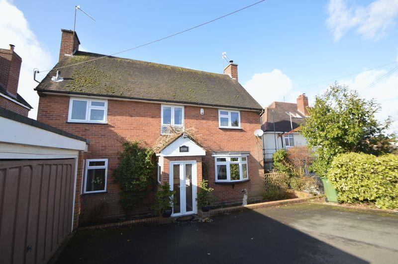 4 Bedrooms Detached House for sale in Dunsley Drive, Kinver, Stourbridge