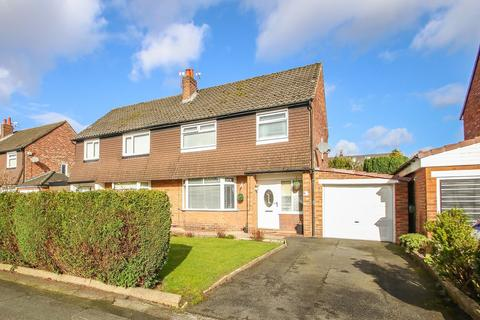 3 bedroom semi-detached house for sale - Cross Knowle View, Davyhulme, Manchester, M41