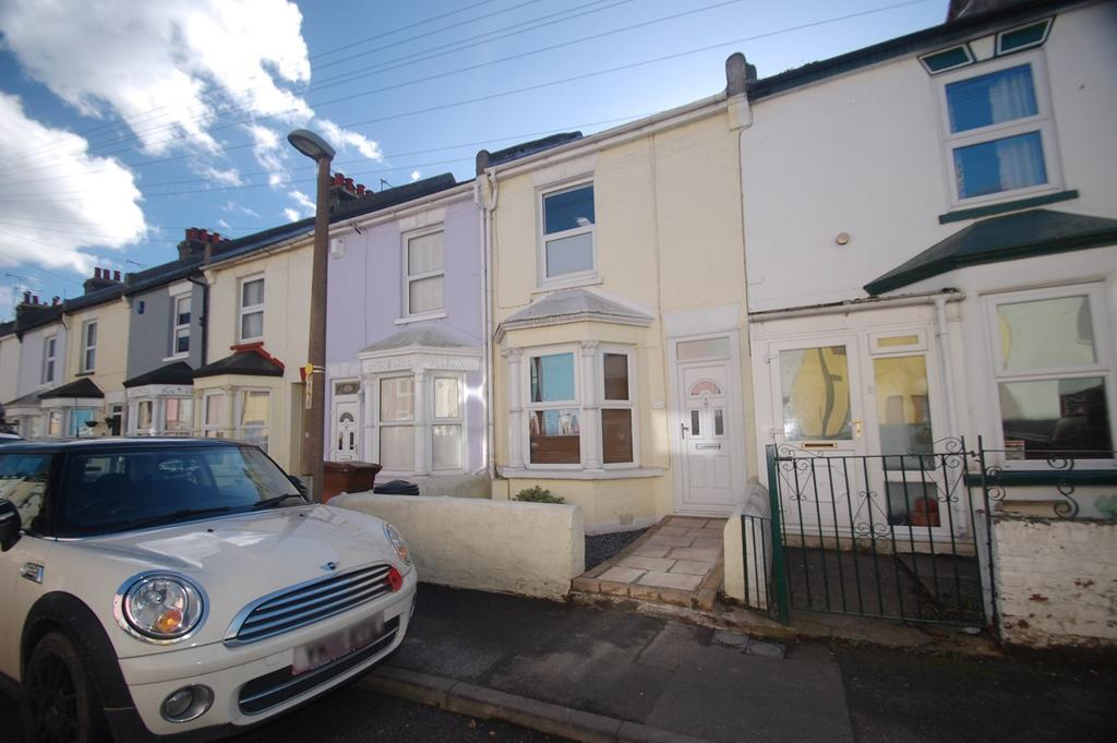 3 Bedrooms Terraced House for sale in Layfield Road, Gillingham, ME7