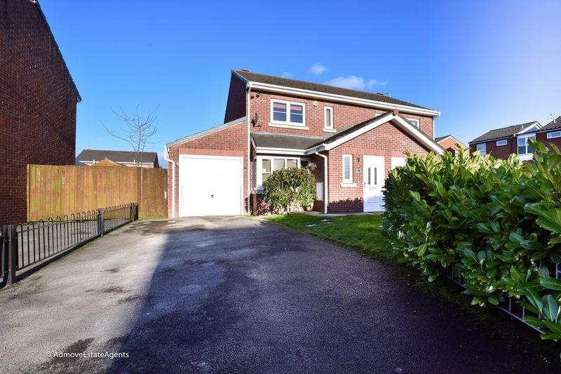 2 Bedrooms Semi Detached House for sale in Handley Drive, Padgate