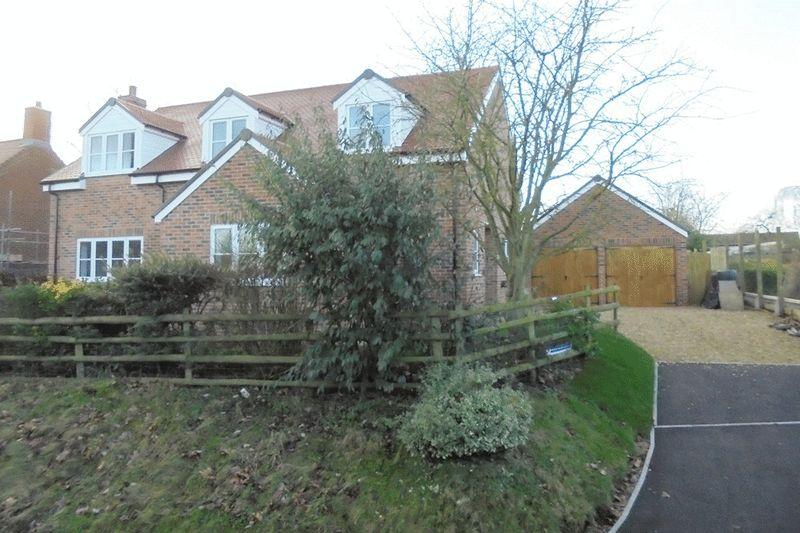 5 Bedrooms Detached House for sale in Fleet Lane, Twyning
