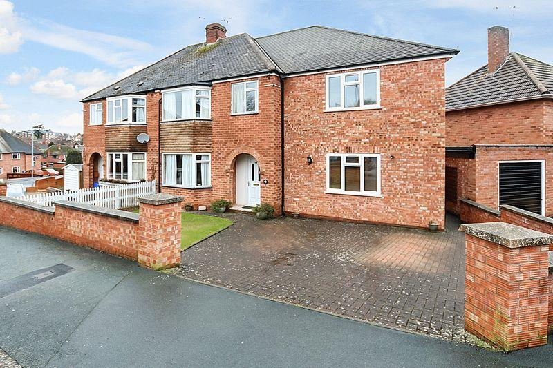 4 Bedrooms Semi Detached House for sale in TUPSLEY
