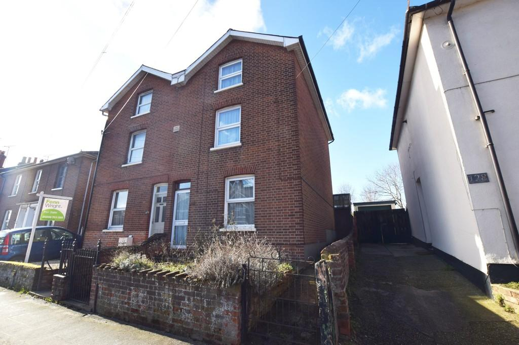 3 Bedrooms Semi Detached House for sale in North Station Road, Colchester, CO1 1UZ