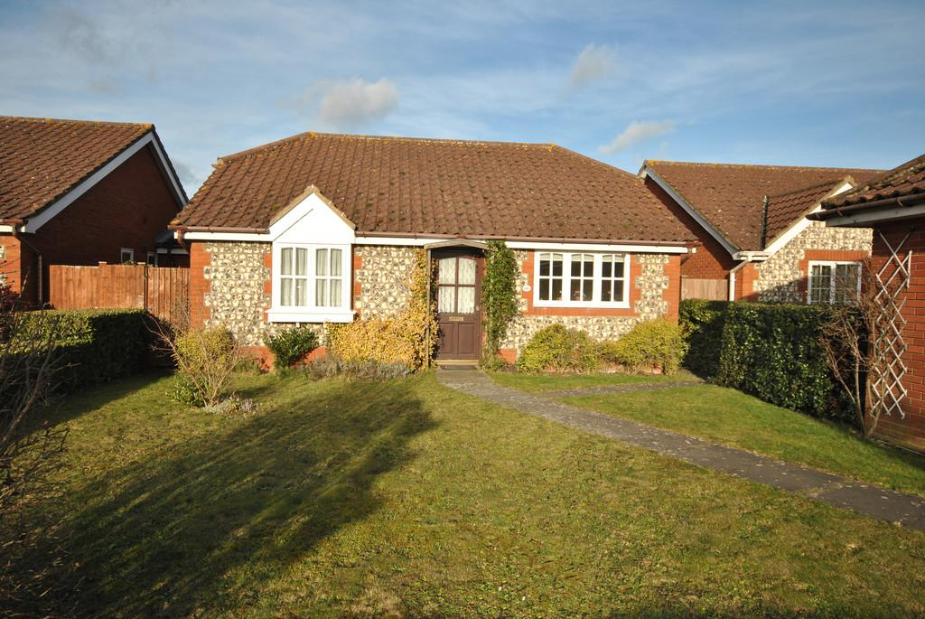 3 Bedrooms Detached Bungalow for sale in Victoria Road, Diss, Norfolk