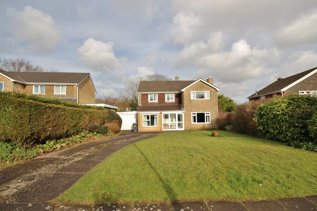 4 Bedrooms Detached House for sale in Rowan Way, Lisvane, Cardiff
