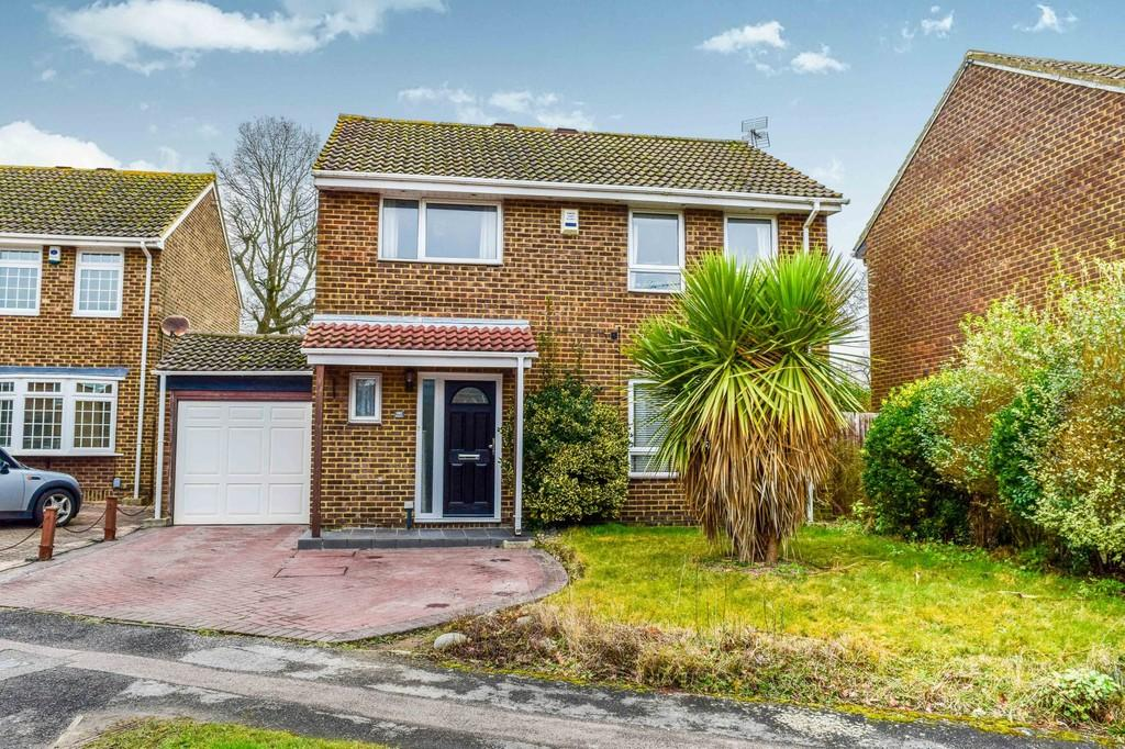 4 Bedrooms Detached House for sale in Bashford Way, Worth