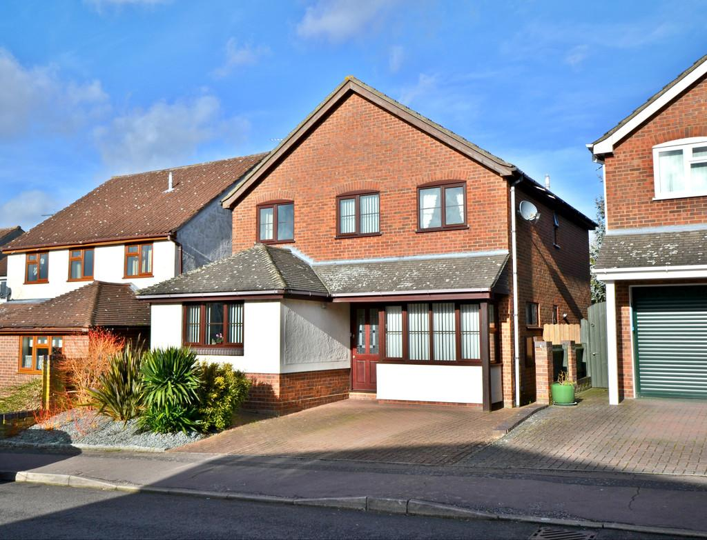 4 Bedrooms Detached House for sale in Fulfen Way, Saffron Walden