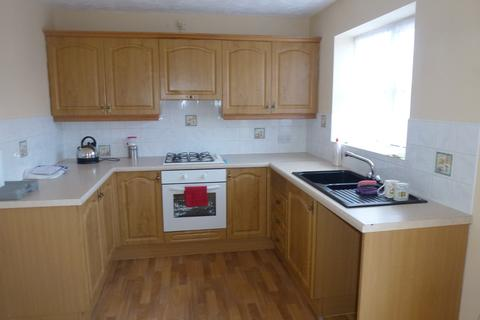 3 bedroom semi-detached house to rent - Hemble Way, Kingswood