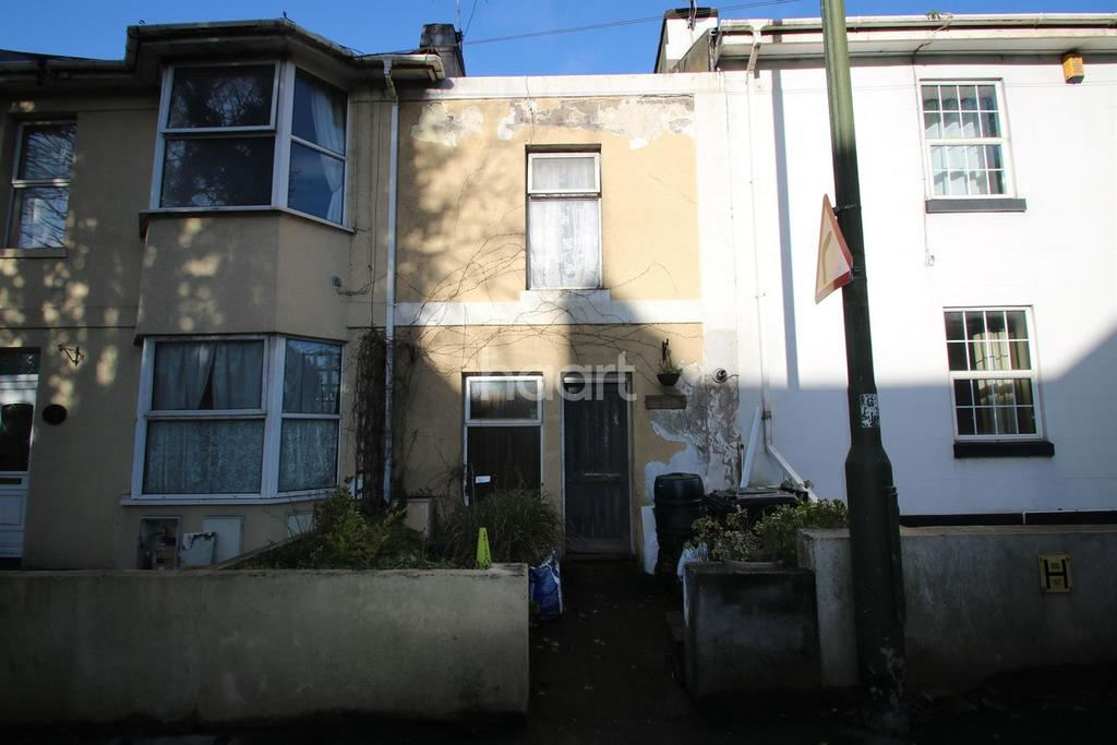 2 Bedrooms Flat for sale in Teignmouth Road, Torquay