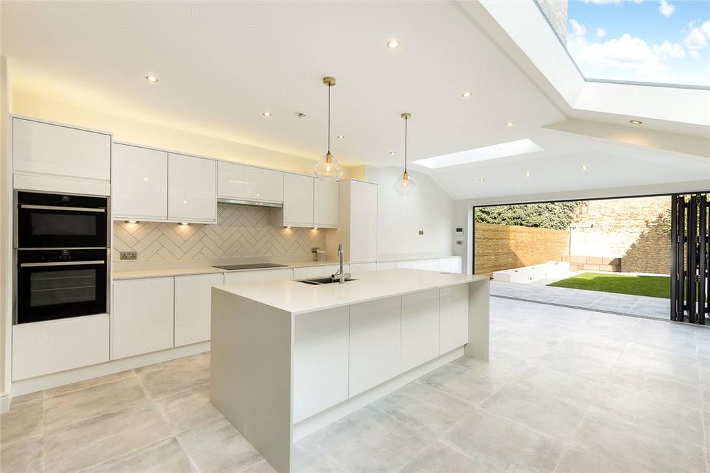 5 Bedrooms Terraced House for sale in Shawbury Road, East Dulwich, London, SE22