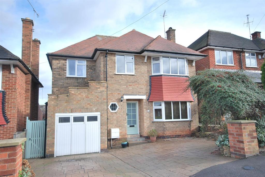 4 Bedrooms Detached House for sale in Covert Crescent, Radcliffe-On-Trent, Nottingham
