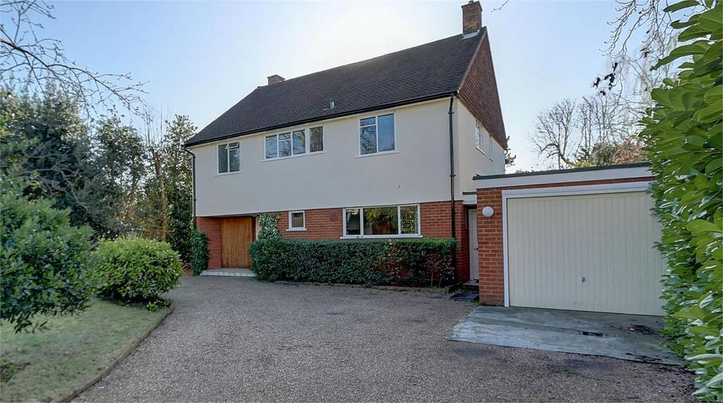 4 Bedrooms Detached House for sale in Hawthorne Road, Bickley, Bromley, Kent