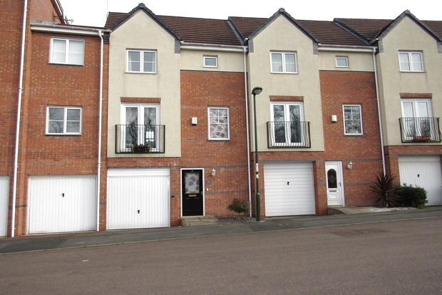 3 Bedrooms Terraced House for sale in Plantin Road, Sherwood, Nottingham, NG5