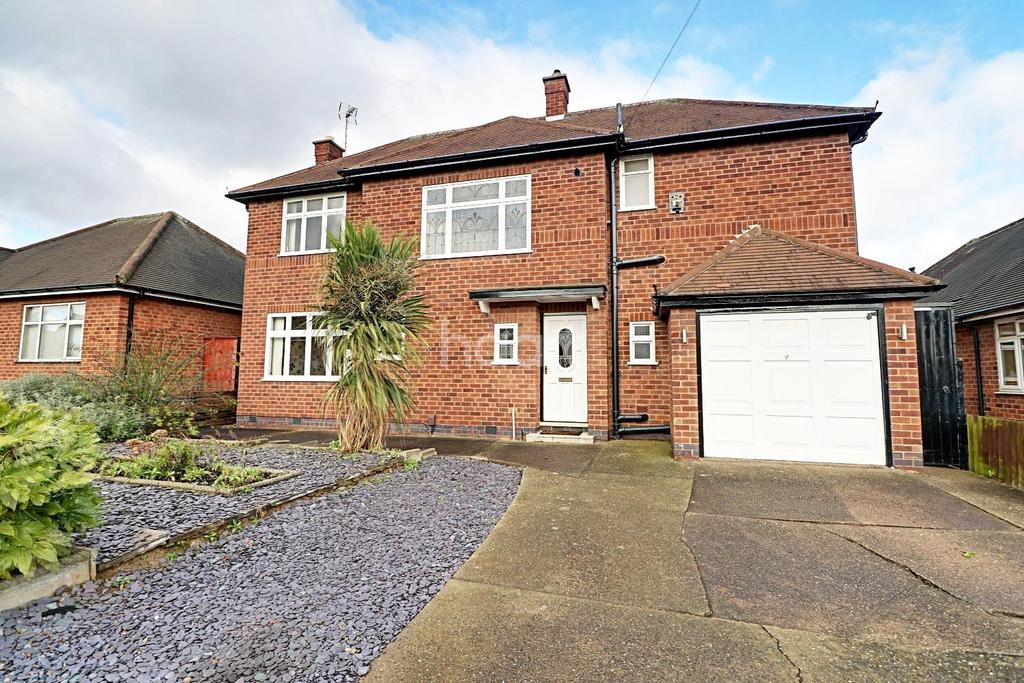 4 Bedrooms Detached House for sale in Prestwood Drive, Aspley