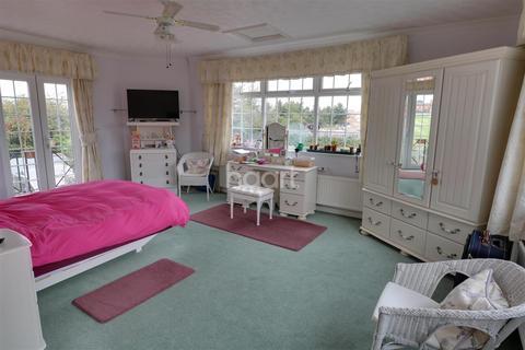 1 bedroom house share to rent - Lockleaze, Bristol