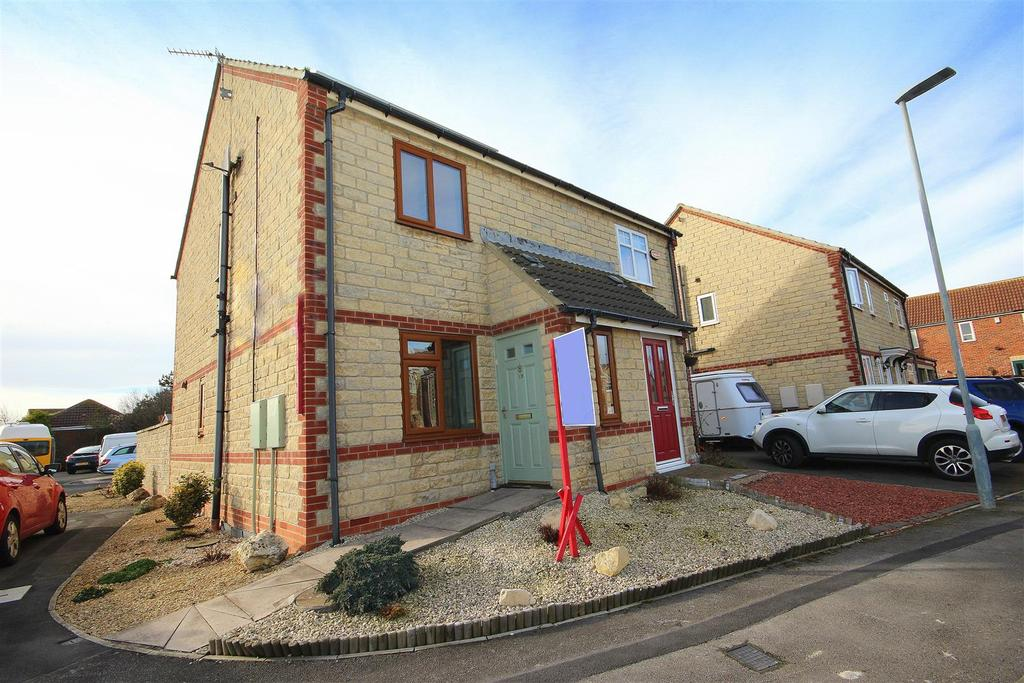 2 Bedrooms Semi Detached House for sale in Intrepid Close, Seaton Carew, Hartlepool