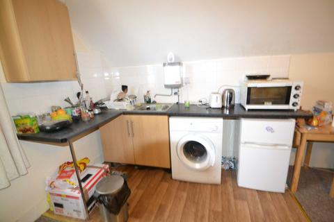 Studio to rent - Castlebar Hill, Ealing Broadway