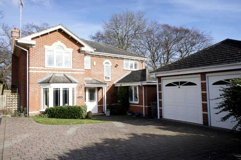 4 bedroom detached house for sale - Hunters Chase, Caversham Heights